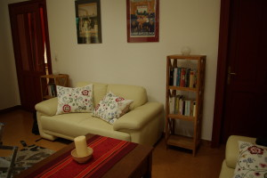 Gemütliches Wohnzimmer in der Ferienwohnung Schneeweißchen