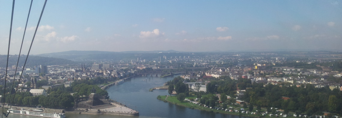 Blick aus der Seilbahn aufs Deutsche Eck